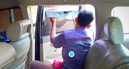 pembersih kaca mobil