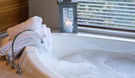 bak mandi air hangat untuk kesegaran